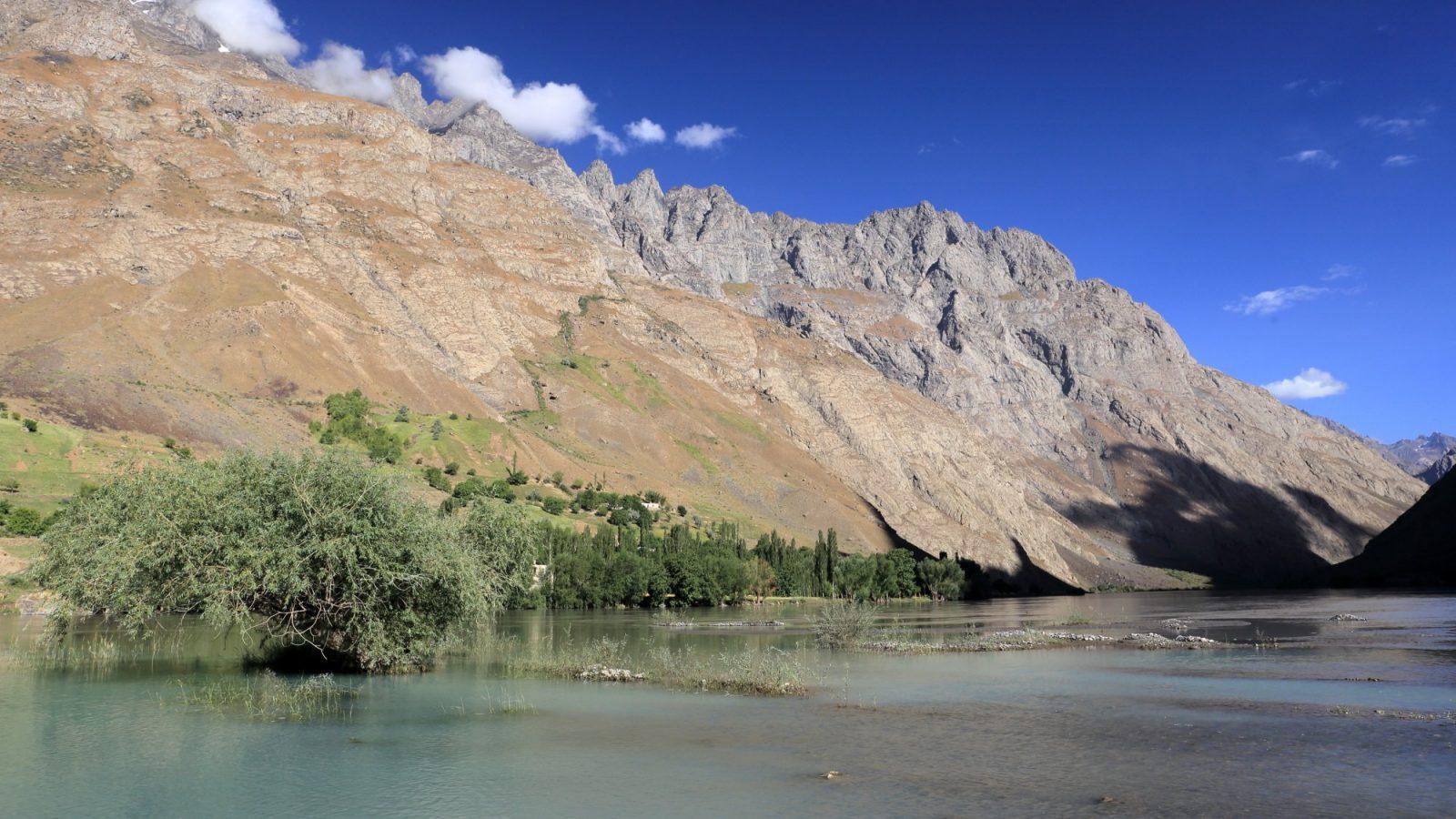 Jutro, Tajikistan