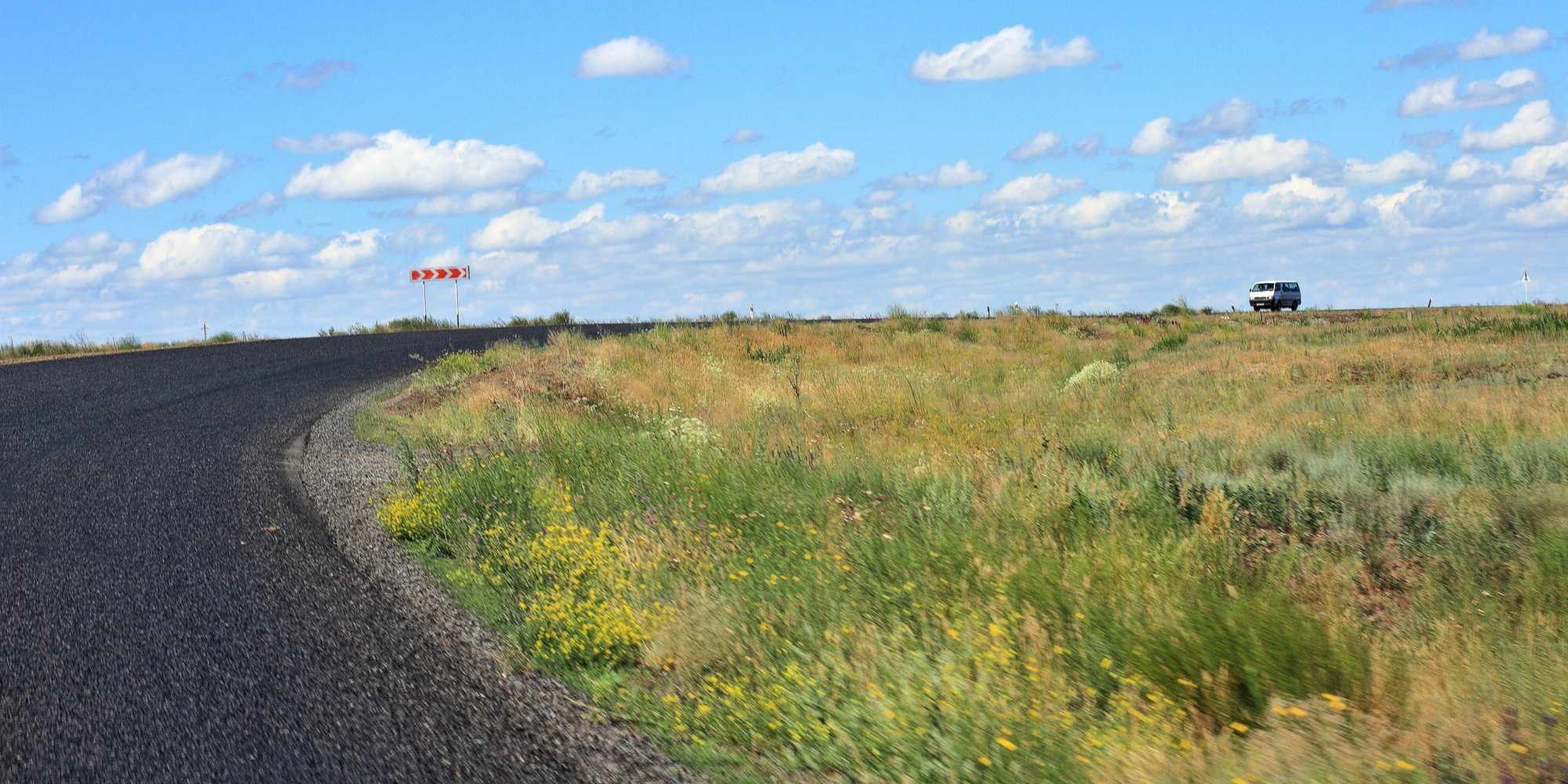 Precej dobre ceste po severu Kazahstana, ob meji z Rusko federacijo.