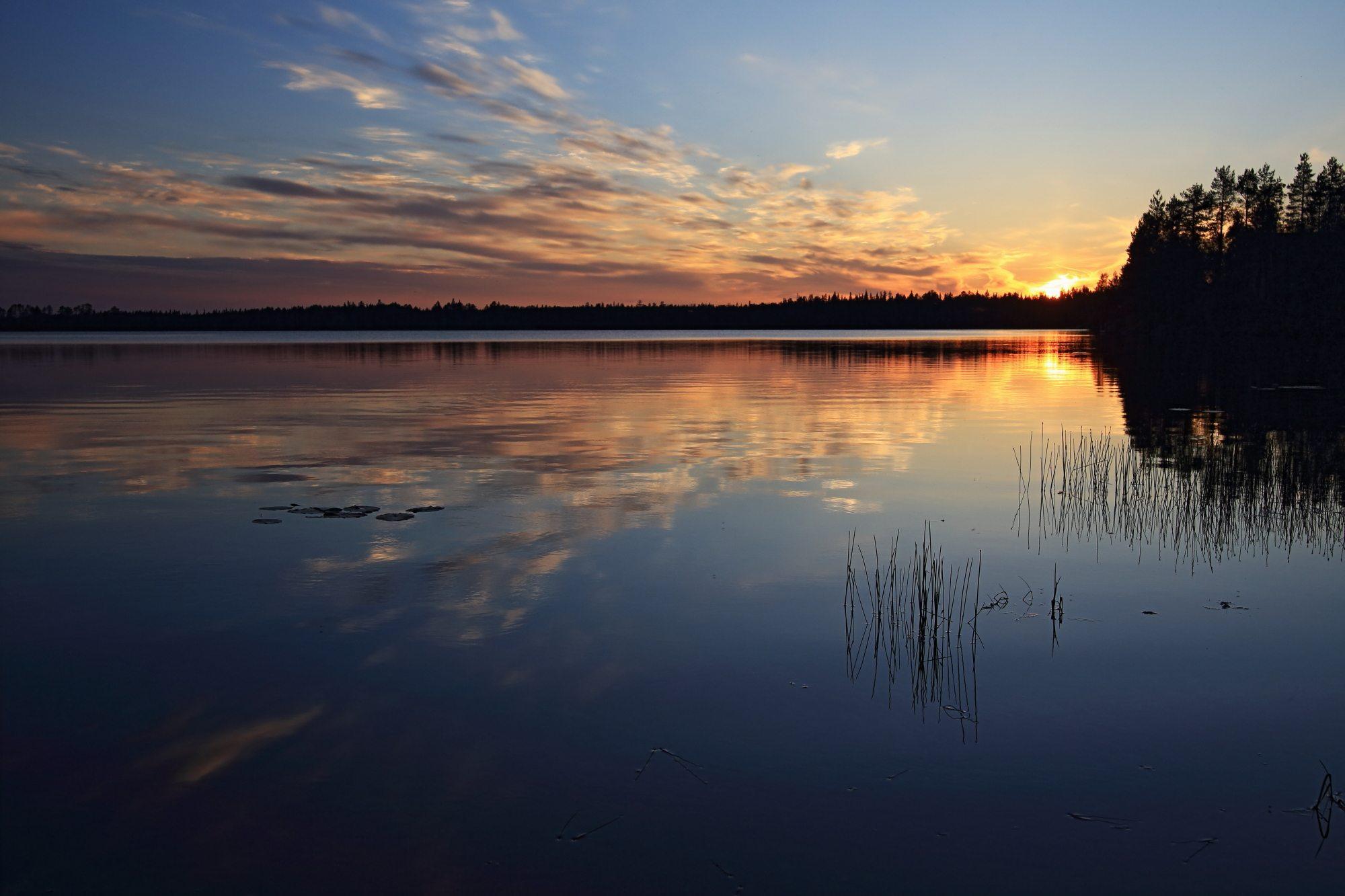 Najnizja tocka sonca, ob jezeru na Finskem
