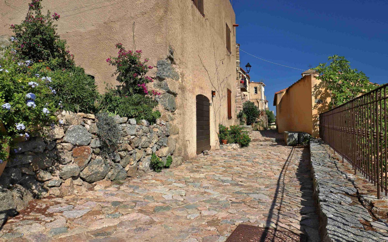 Sant'Antonino, Corsica